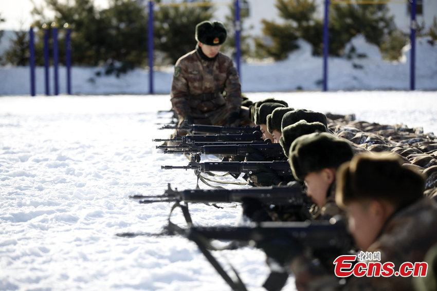 Young soldiers trained amid freezing weather