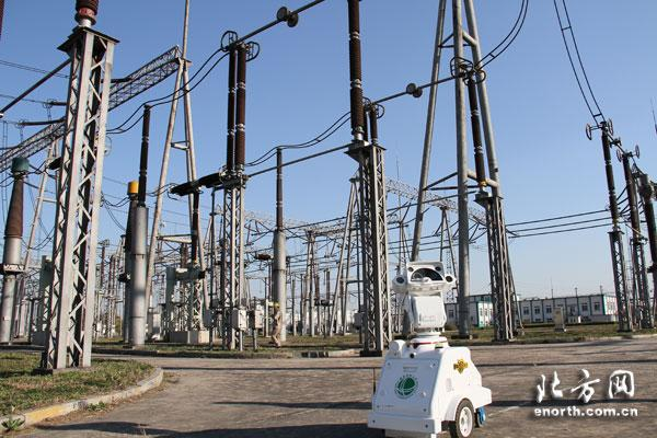 Robot patrols electrical substation in Tianjin