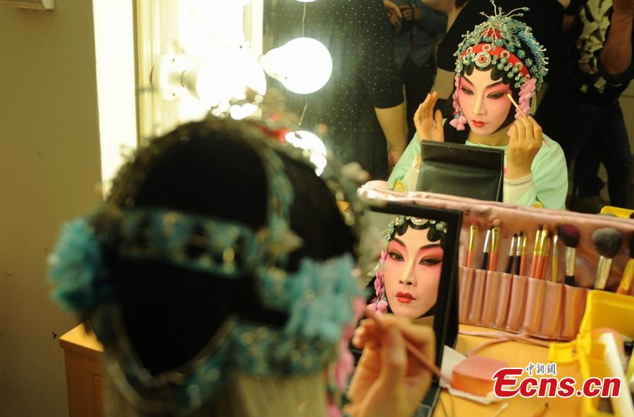 A feast of Kun Opera in Central China city