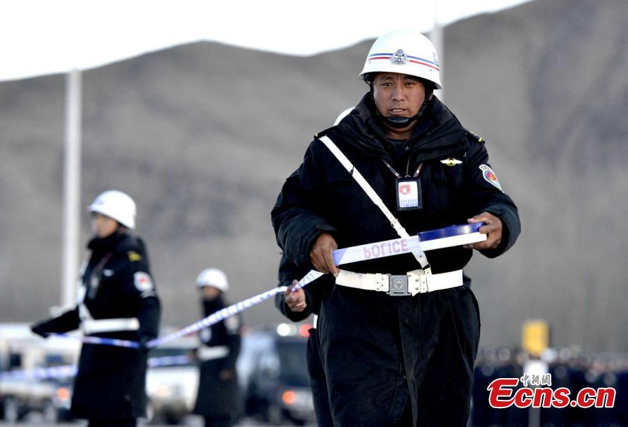 Anti-hijacking drill held in Tibet's high-plateau airport