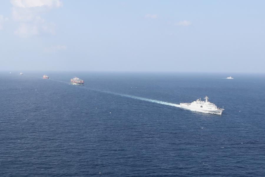 Chinese warships execute convoy mission in the Gulf of Aden