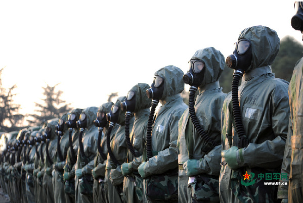 PLA troops in chemical defense emergency drill
