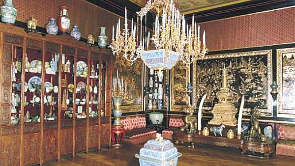 Rare art pieces stolen from Chinese Museum of Chateau de Fontainebleau