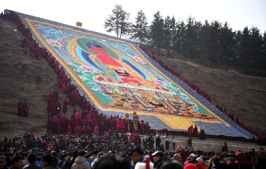 Buddha tangka display in NW China's Gansu