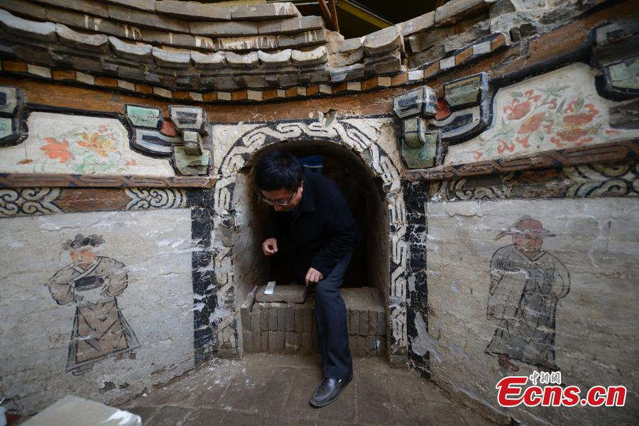 Mural paintings unearthed in Yuan Dynasty tomb