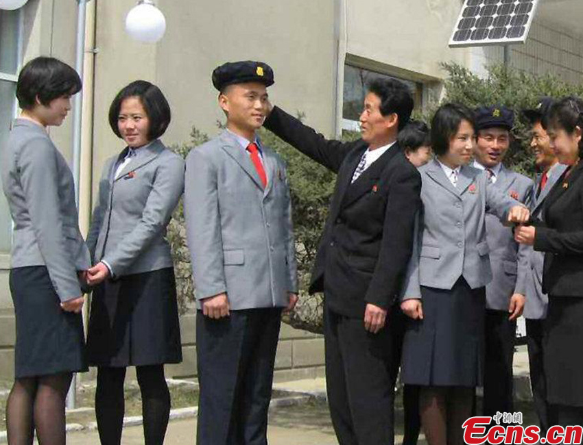 DPRK unveils new school uniforms