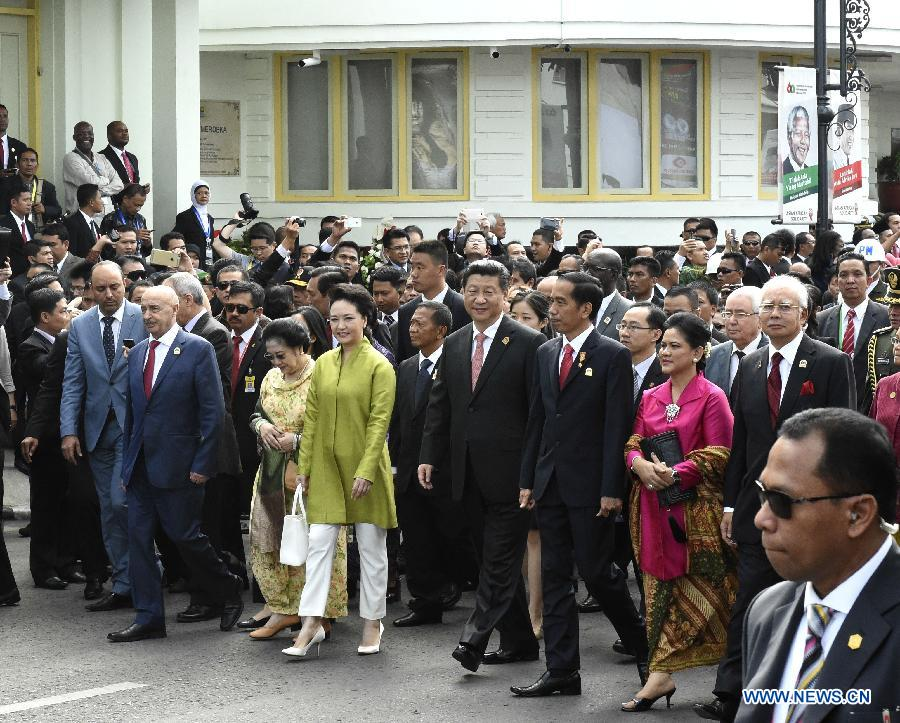 President Xi joins Asian, African leaders in Bandung commemorative walk