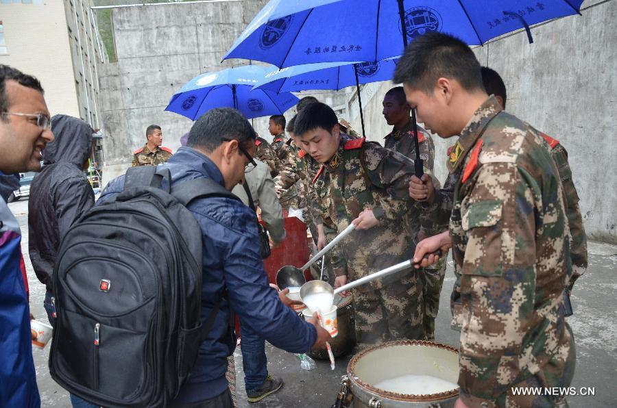 Tibet quake: 500 tourists relocated at Zhangmu checkpoint