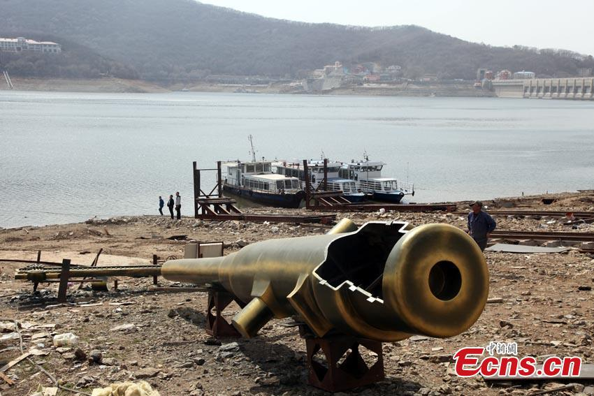 NE China city rebuilds Qing Dynasty warship