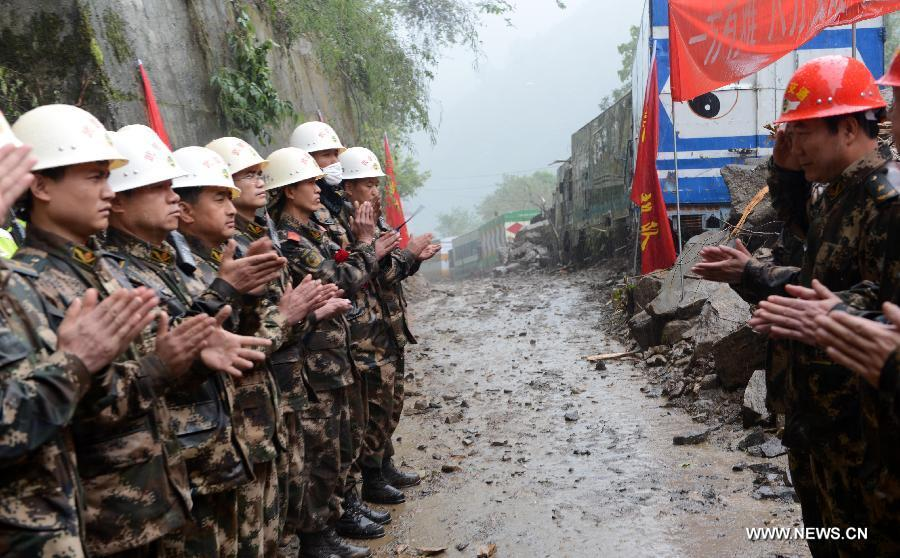 In photo: Quake-hit China-Nepal highway cleared