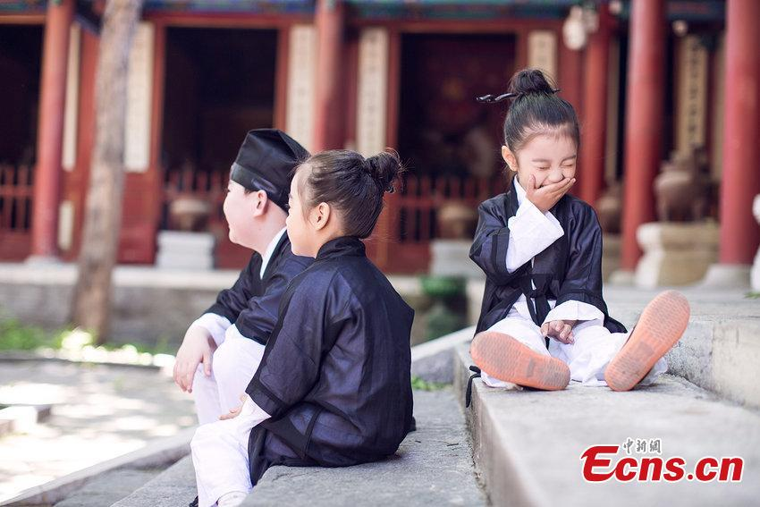 Cute 'Taoist priests' draws attention
