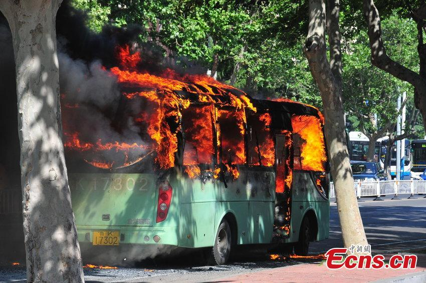 Bus on fire in E China's Weihai
