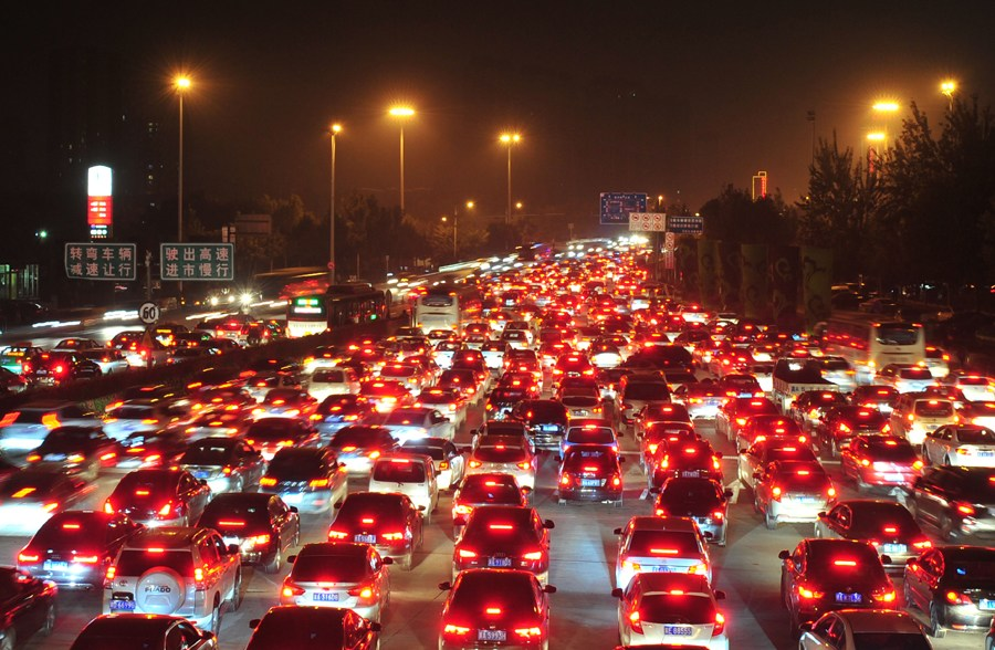 High way gets traffic jam by return rush in China