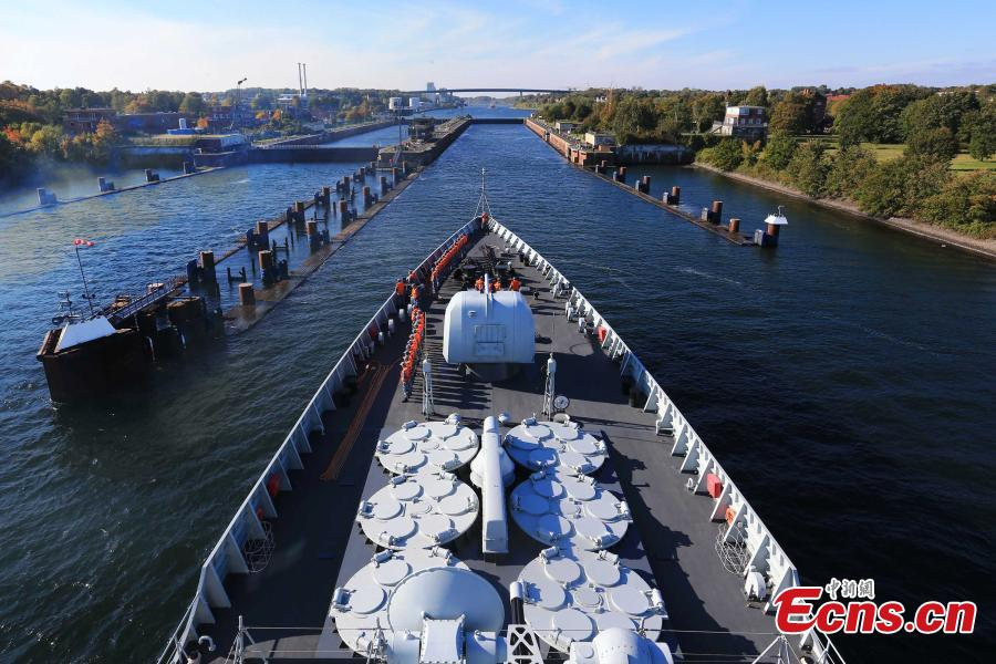 Chinese naval fleet passes through Kiel Canal