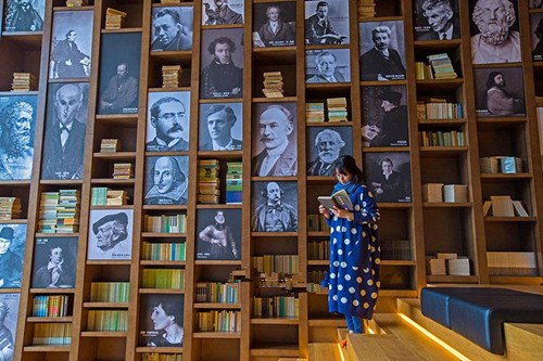China's most artistic library opens in Wuzhen
