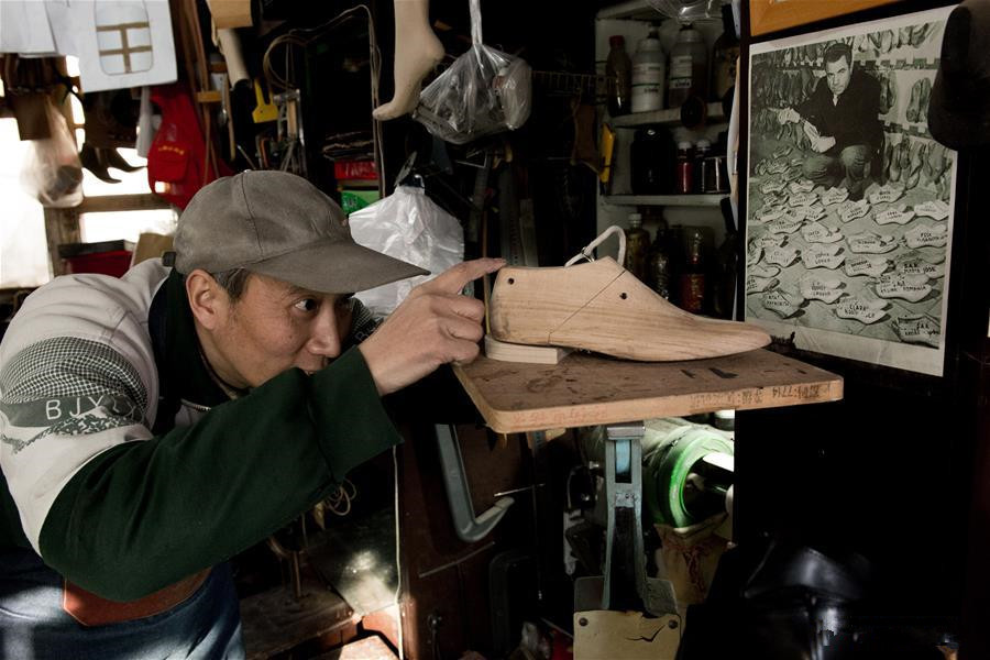 Custom shoemaker treads the path of tradition