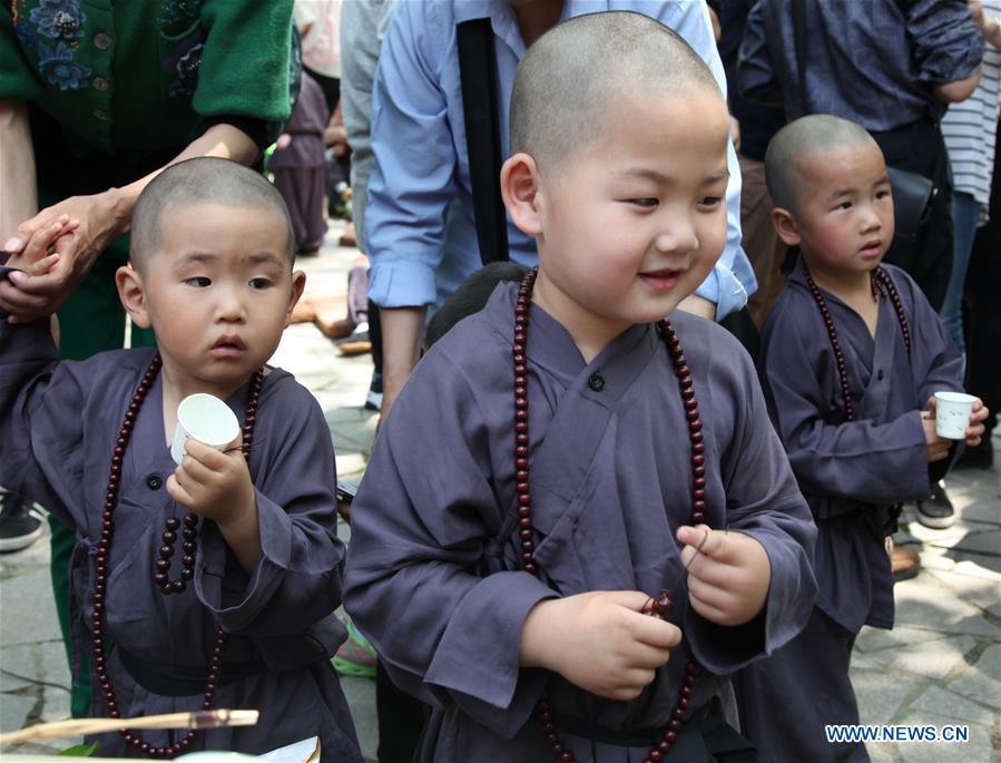 50 kids compete for 'most lovely Buddhist baby' title in E China