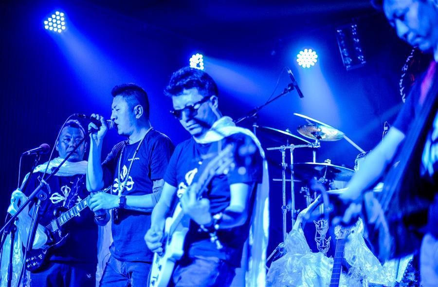 Tibet's 1st modern rock band performs to mark founding anniversary