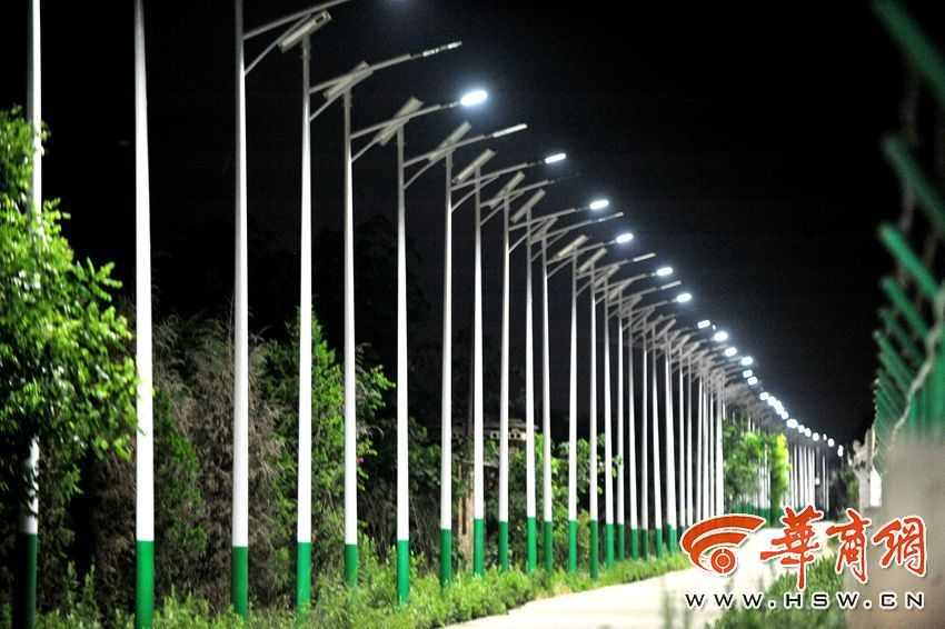4-km road has 700 street lamps