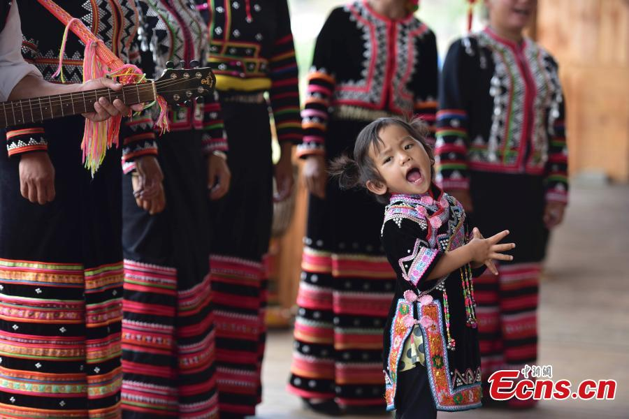 Lahu village of song and dance draws tourists
