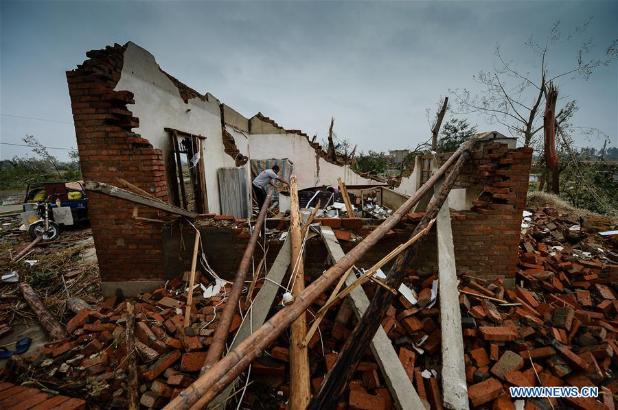 Tornado leaves mess in E China's Jiangsu