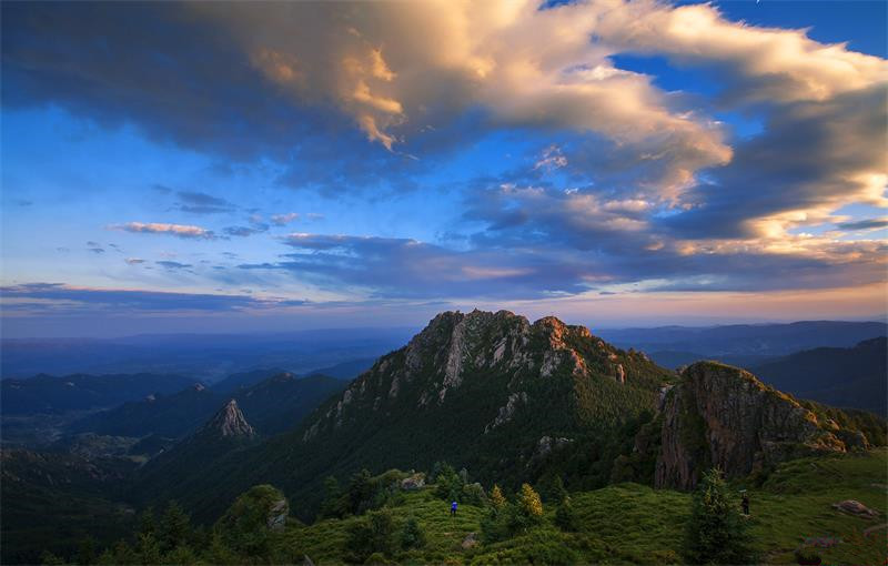 Breathtaking scenery of Luya Mountain Scenic Spot