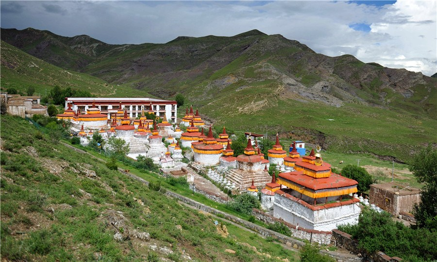Magnificent Summer Monastery in SW China's Tibet