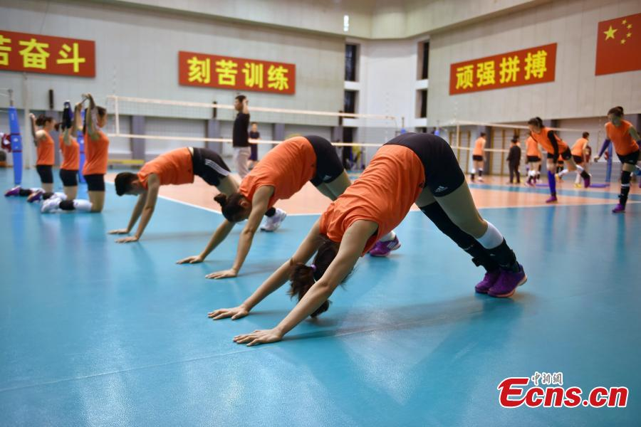 Women's volleyball players in training before Rio