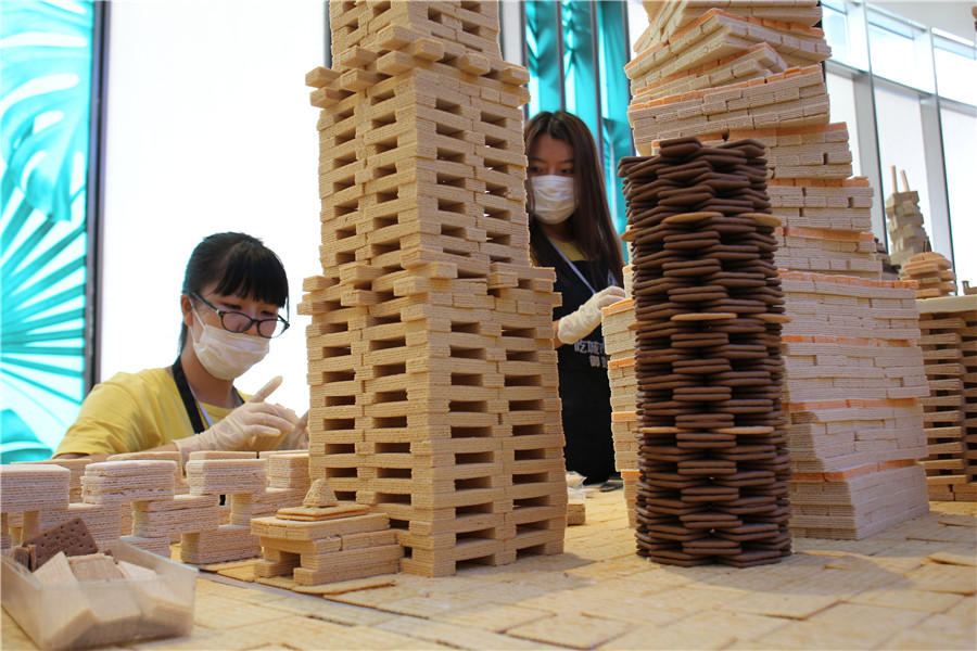Creating and destroying cities with Shanghai performance artists