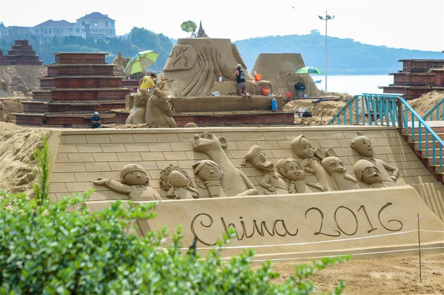 Sand sculptures created to greet upcoming G20 summit