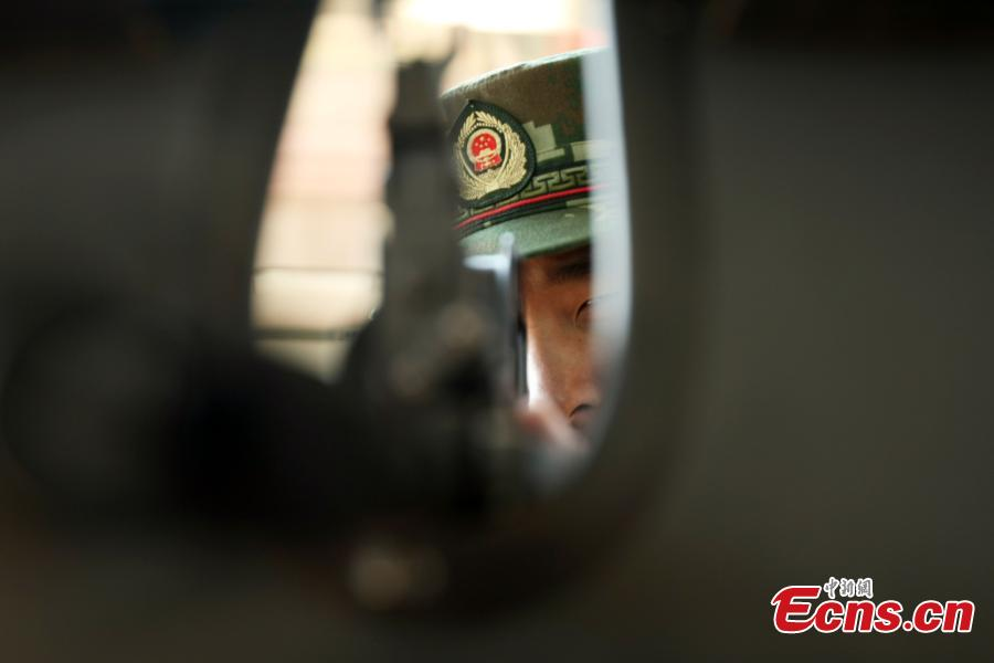 Beijing armed police in drill against emergencies