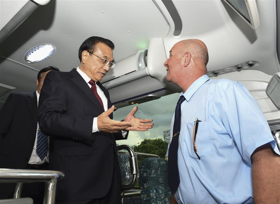 Premier Li experiences on vehicle exported by China's producer in Cuba