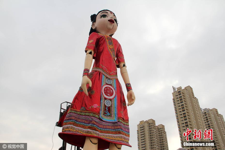 World's tallest marionette doll shown in East China city