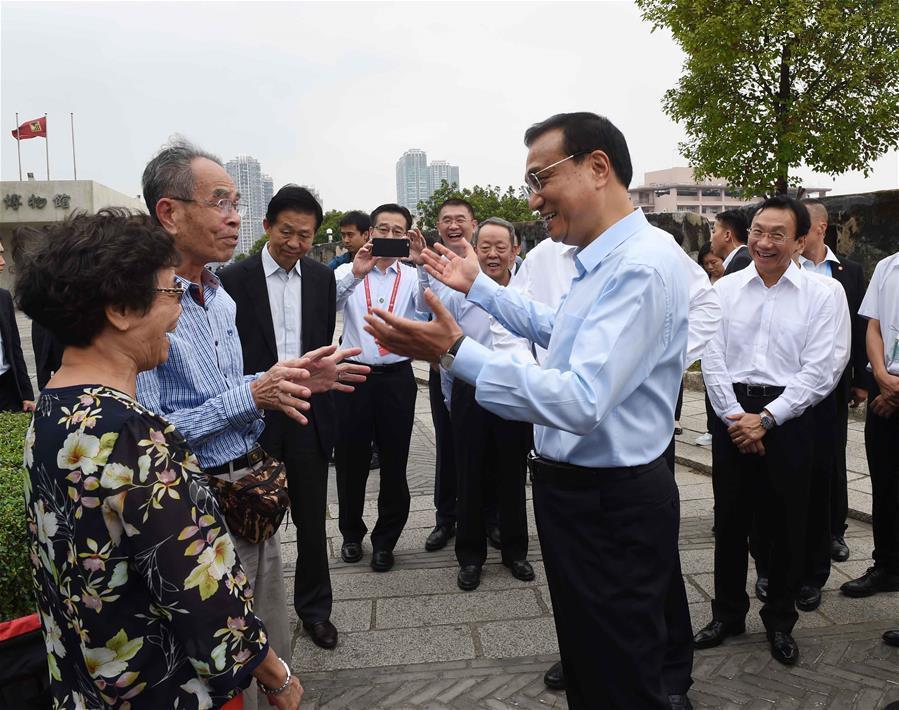 Premier Li makes inspection tour in Macao