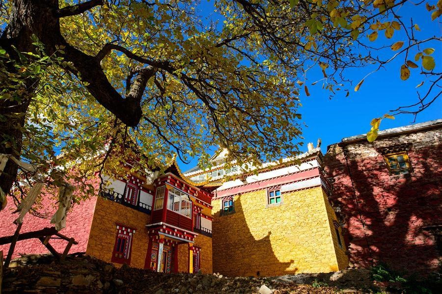 Ding Guo Shan monastery in SW China