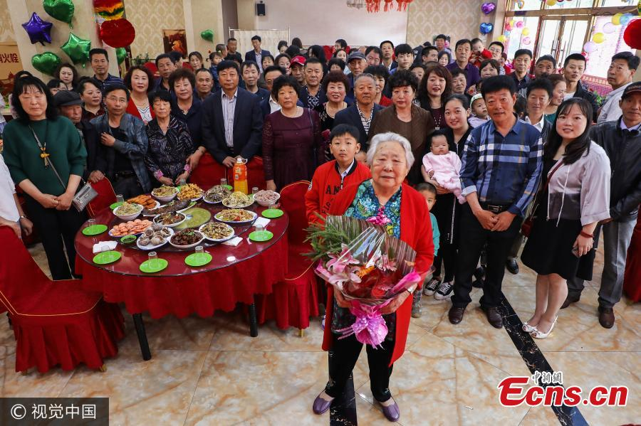 Five generations of family celebrate 90-year-old woman's birthday