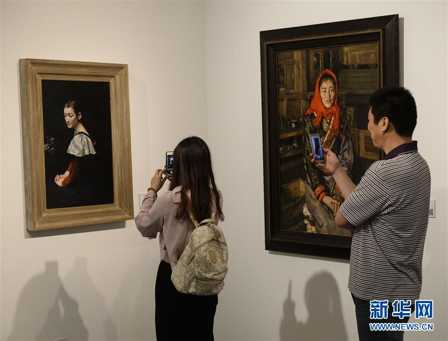 Picturesque 'Jiangnan' depicted in oil paintings in Suzhou exhibition