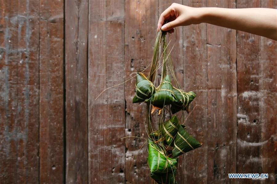Zongzi made in Zhejiang to greet Dragon Boat Festival