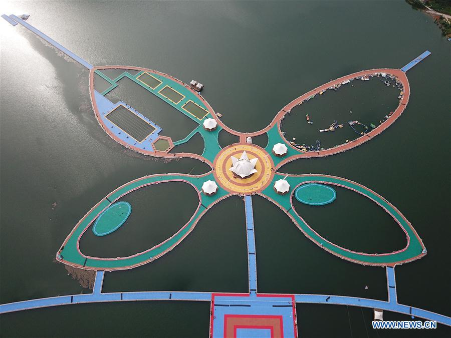 Butterfly-shaped floating boardwalk to be opened in SW China