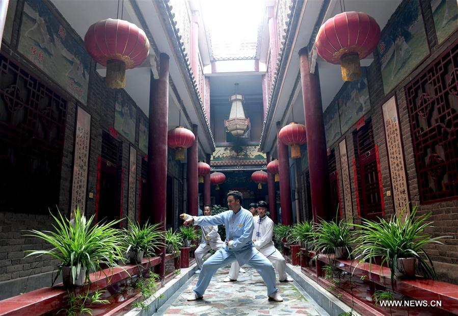 Central China tai chi training centers attract hundreds of followers