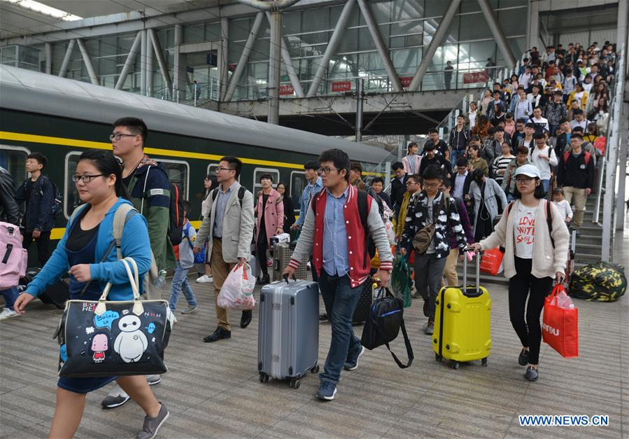 Chinese railways brace for busy return trips
