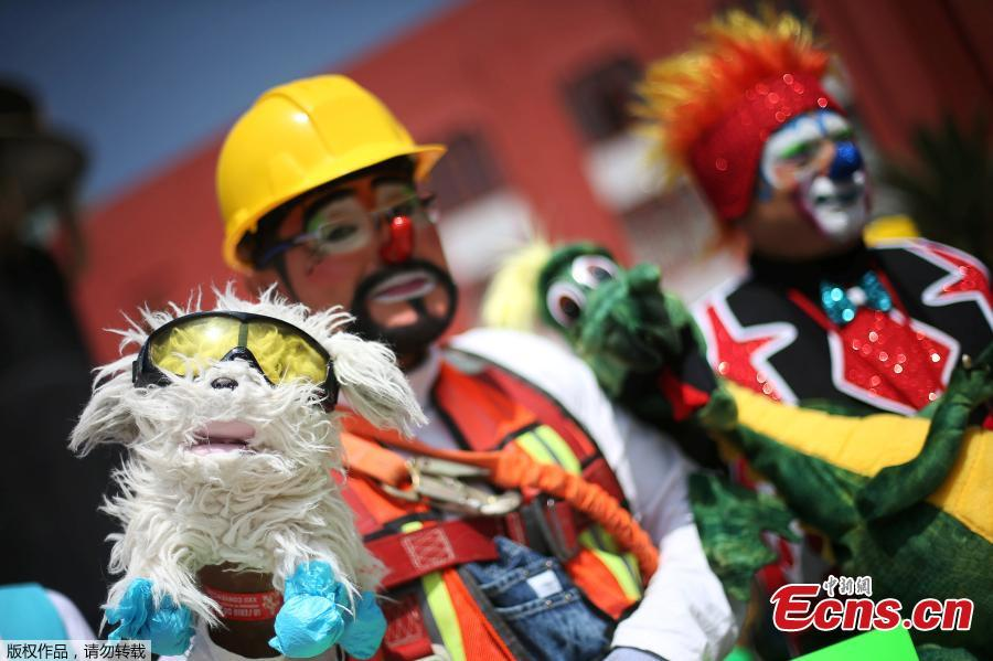Mexico City hosts Latin American clown convention