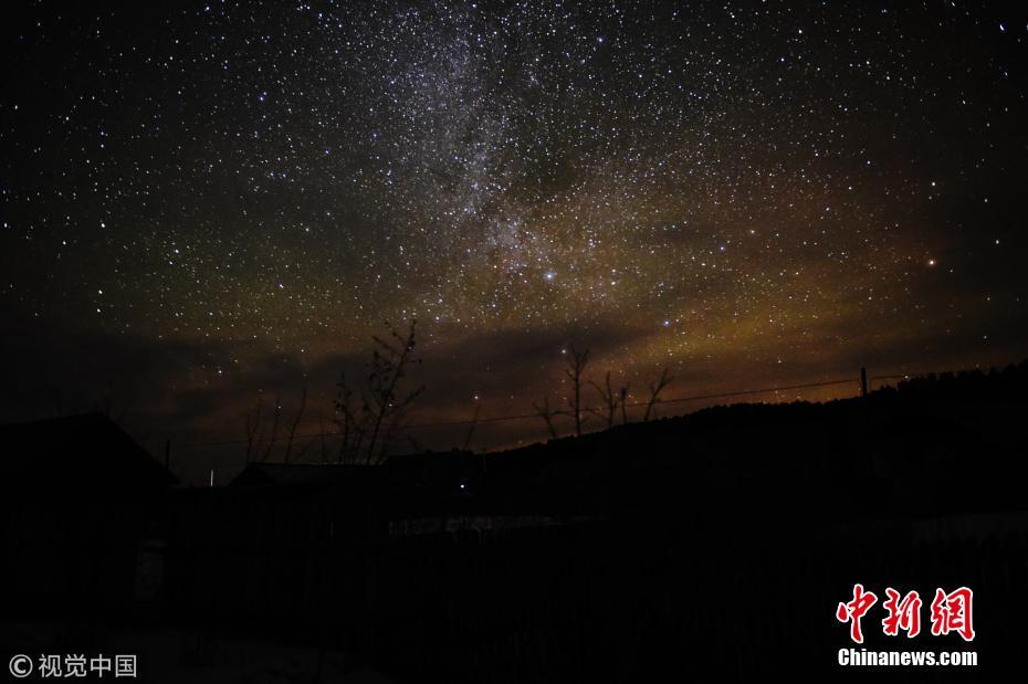 Spectacular starry night in China's northernmost county Mohe