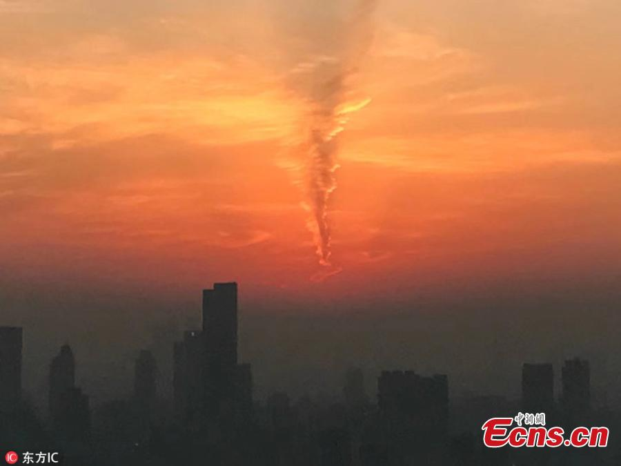Whirlwind adds charm to Nanjing sunset