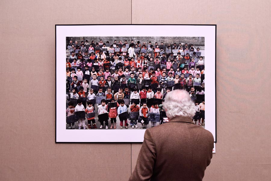 Photo exhibition in Paris marks 40th anniversary of China's reform and opening-up