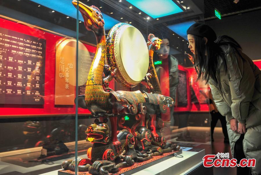 Shenyang hosts cultural relics show during festival