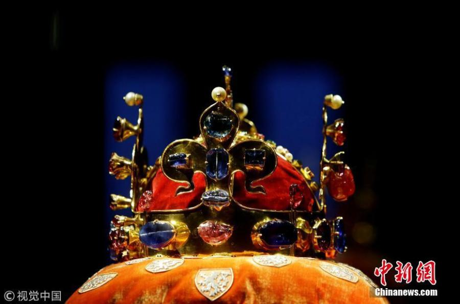 Bohemian Crown Jewels in rare show in Prague