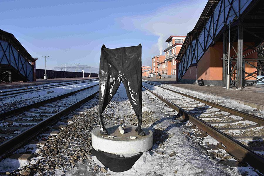 How railway plumbers work in freezing water