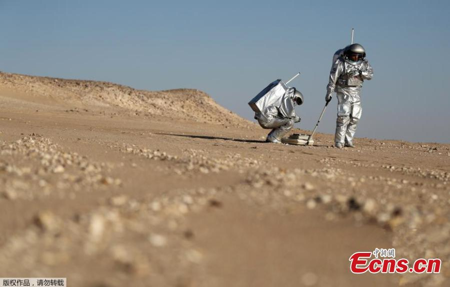 Mars on Earth: Scientists in spacesuits conduct simulation tests in Oman desert