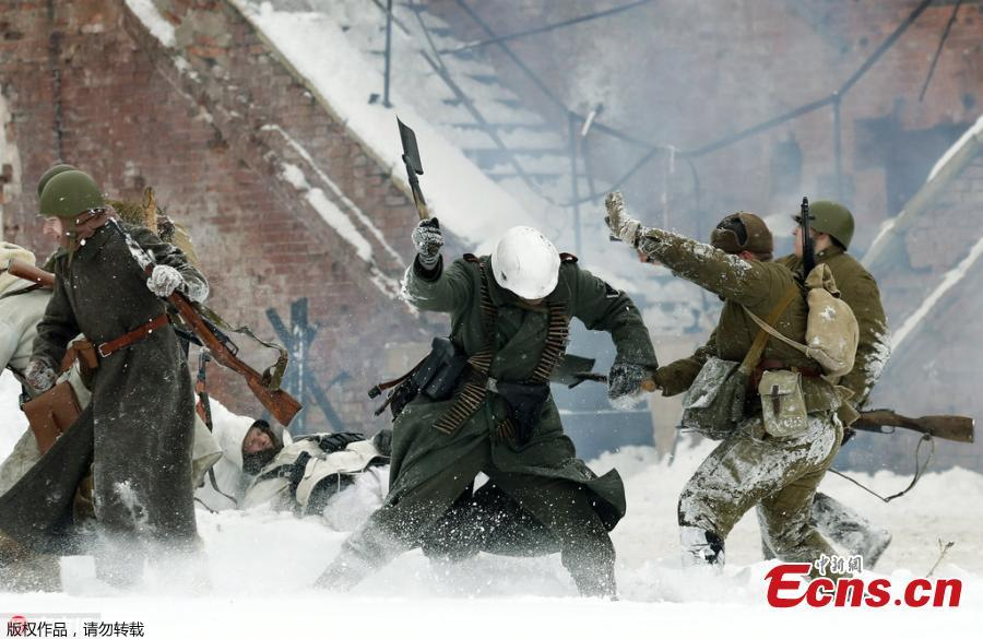 Reenactment marks 75th anniversary of Battle of Stalingrad
